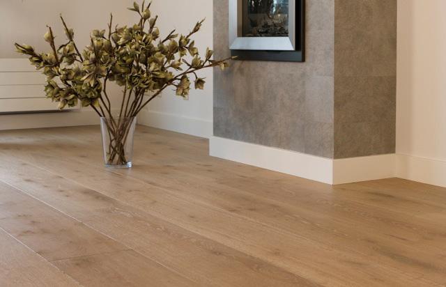 Massieve planken uniek parket - Hardhouten vloeren vloerverwarming ...
